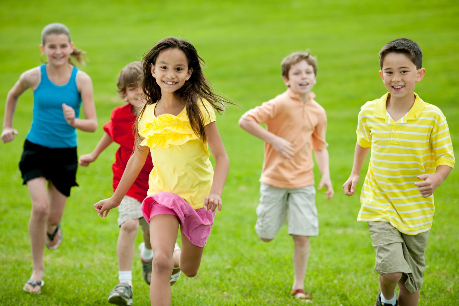 Groep jonge kinderen 4-12 jaar